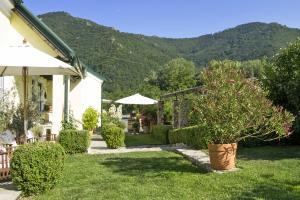 Landhaus Smöch - Garten und Haus